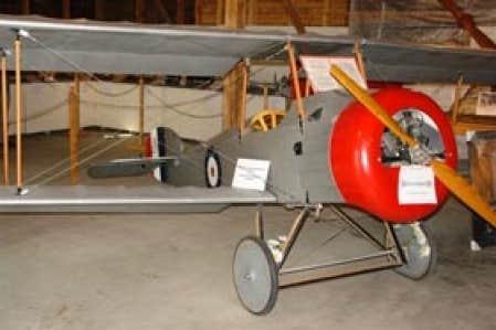 La réplique d'un Sopwith Camel datant de 1917, l'avion qui a servi pour le film The Aviator, avec Leonardo DiCaprio.