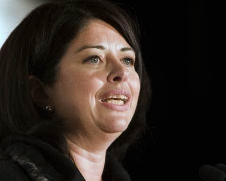 La ministre de l'Éducation, Line Beauchamp, se dit consciente de la difficulté