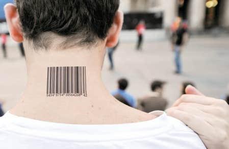 Le consommateur est prompt &agrave; d&eacute;noncer la prolif&eacute;ration de publicit&eacute;s dans ses &eacute;missions pr&eacute;f&eacute;r&eacute;es, mais il ne semble pas d&eacute;rang&eacute; &agrave; l&rsquo;id&eacute;e de devenir lui-m&ecirc;me un support publicitaire.<br />