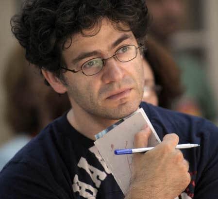 Wajdi Mouawad au festival d&rsquo;Avignon en 2009. Le metteur en sc&egrave;ne y cr&eacute;era en juillet le cycle Des femmes sans la pr&eacute;sence de Bertrand Cantat.<br />