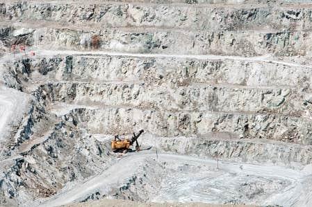 La relance de Mine Jeffrey devrait créer quelque 425 emplois à temps plein à Asbestos.