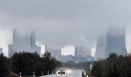 La centrale thermique au charbon de Boxberg, en Allemagne. Berlin a d&eacute;cid&eacute; de renoncer au nucl&eacute;aire, mais misera en partie sur de nouvelles centrales de ce type.<br />