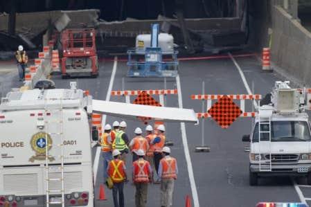 Le tunnel devrait rouvrir à temps pour le retour de vacances des quelque 150 000 ouvriers de la construction, le week-end prochain.