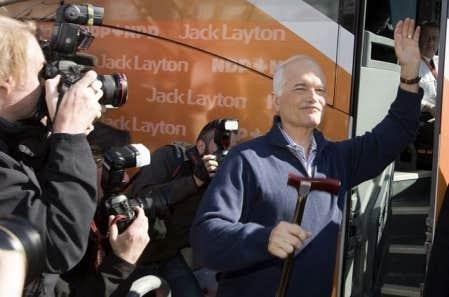 Jack Layton était âgé de 61 ans: il avait été élu chef du NPD en 2003, et a fait progresser son parti sans cesse depuis.