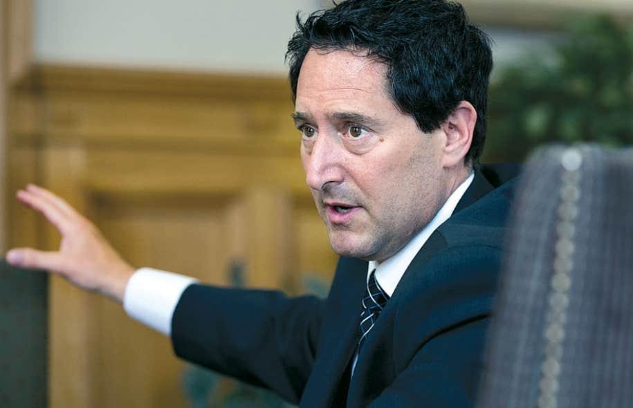Le maire de Montréal, Michael Applebaum, a accordé des entretiens au Devoir et à d'autres médias, lundi, pour défendre de nouveau son intégrité.