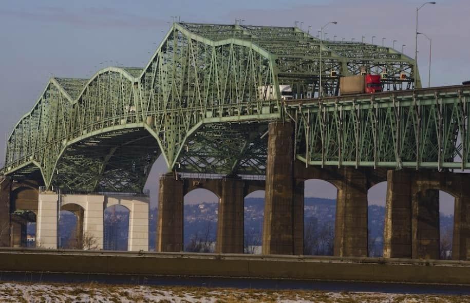 Soixante millions de véhicules traversent le pont Champlain tous les ans.
