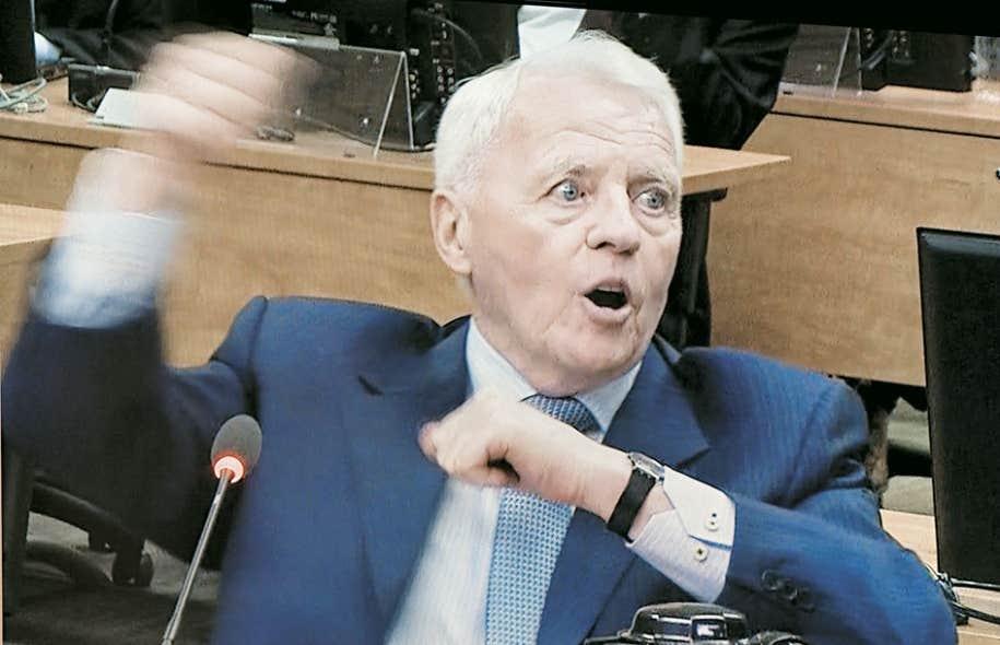 L'ex-vice-président de Roche et de Dessau, Gilles Cloutier, a expliqué avoir organisé une soixantaine d'élections « clés en main », lors de son témoignage devant la commission Charbonneau, mardi.