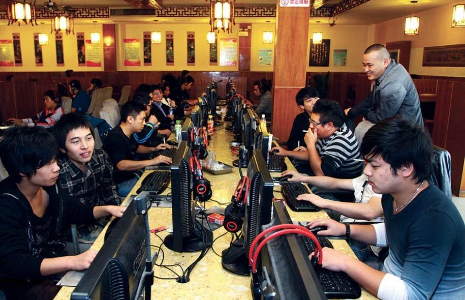 Cybercafé à Jiashan, ville côtière située dans la province du Zhejiang.