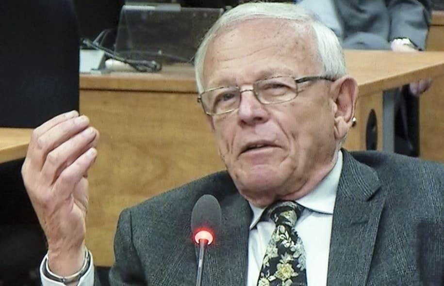 Plus tôt en journée, le notaire Jean Gauthier a rejeté le titre peu enviable d'argentier occulte du PRO des Lavallois. Son pouvoir de persuasion s'est heurté au scepticisme manifeste de la commission Charbonneau.