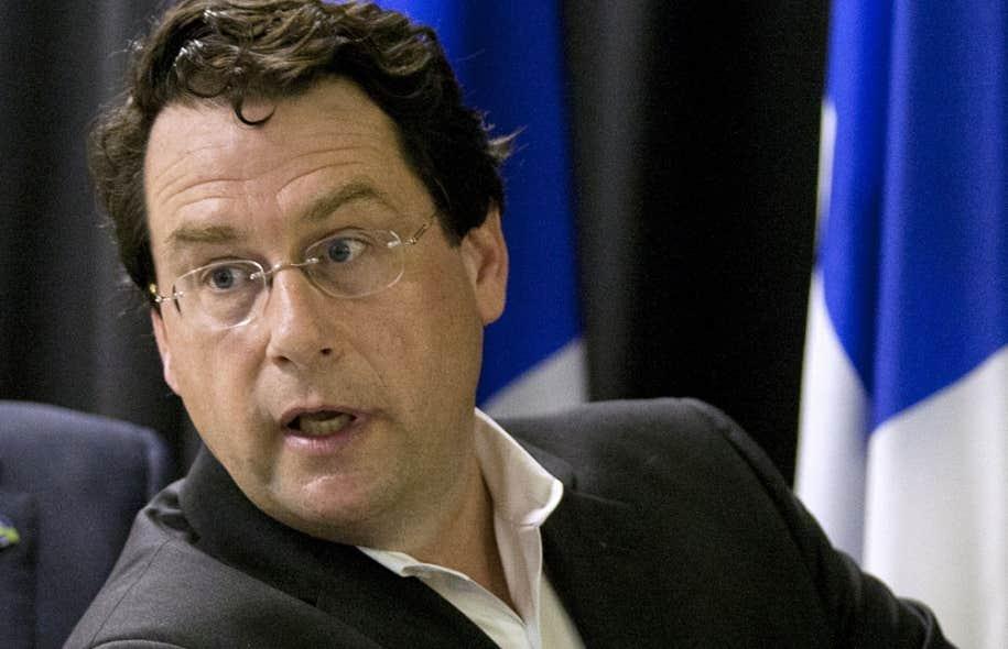 Si plusieurs députés ont affirmé qu'il fallait attendre les détails de la proposition, personne n'a nié ces informations, pas même Bernard Drainville, qui pilote le dossier de la Charte des valeurs québécoises.