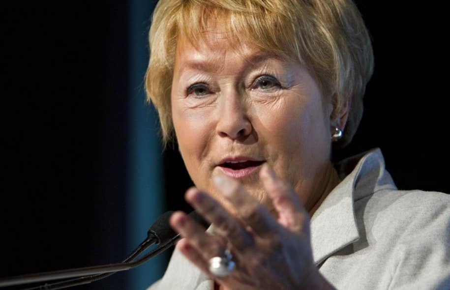 Un sondage Léger-Le Devoir mené en ligne jeudi et vendredi auprès de 1002 personnes indique que le Parti libéral du Québec (PLQ) domine toujours les intentions de vote, à 36%, mais que le PQ suit désormais de proche, avec 32%.