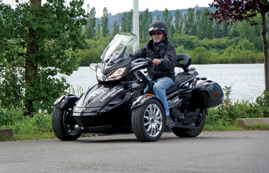 motos trois roues l avant ou l arri re. Black Bedroom Furniture Sets. Home Design Ideas