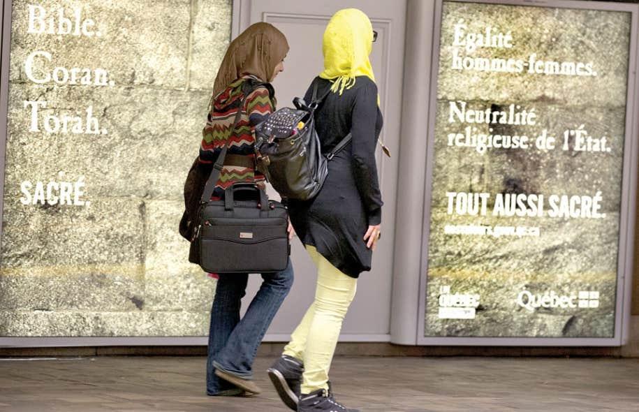 Le gouvernement a lancé une campagne publicitaire afin d'informer la population sur les tenants et aboutissants du projet de Charte des valeurs québécoises.