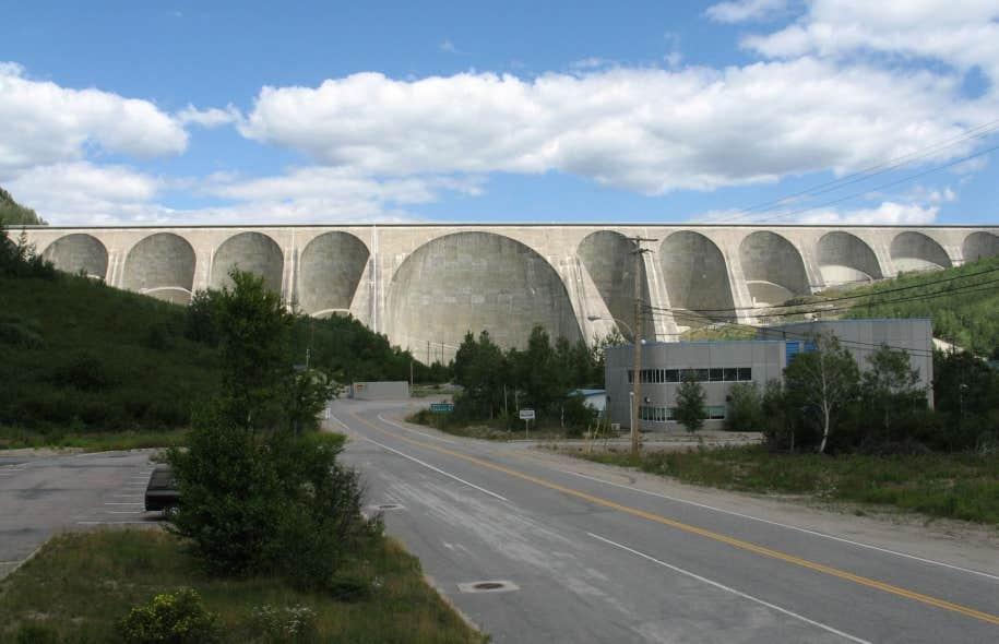Les surplus d'électricité dans lesquels baigne Hydro-Québec constituent une «occasion d'affaires», selon plusieurs membres de la communauté écologiste.