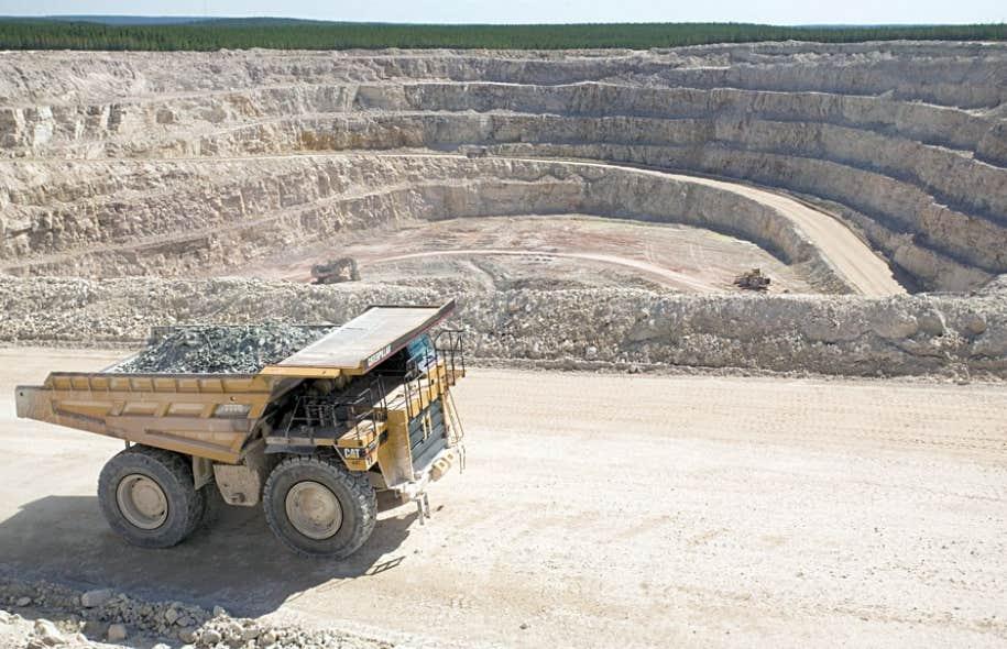 La Loi sur les mines est-elle désuète? Elle a été modifiée à plusieurs reprises depuis 30 ans et elle comporte des dispositions éminemment modernes.