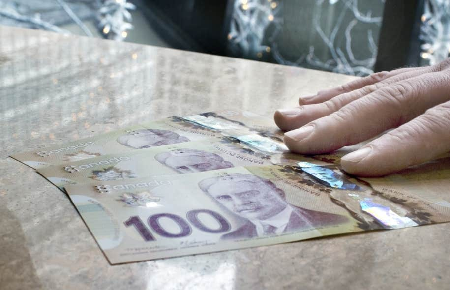 Si les grands patrons gagnaient un revenu moyen de 105 fois supérieur à ceux des travailleurs canadiens en 1998, l'écart avait encore augmenté 14 ans plus tard.