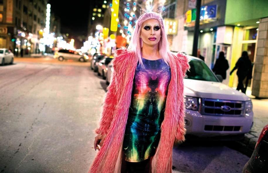 Tommy Millette, coloriste dans un salon de coiffure le jour, drag-queen le soir, n'ose plus marcher seul dans les rues du quartier la nuit depuis qu'il a été témoin d'une agression sauvage à la sortie d'un bar.