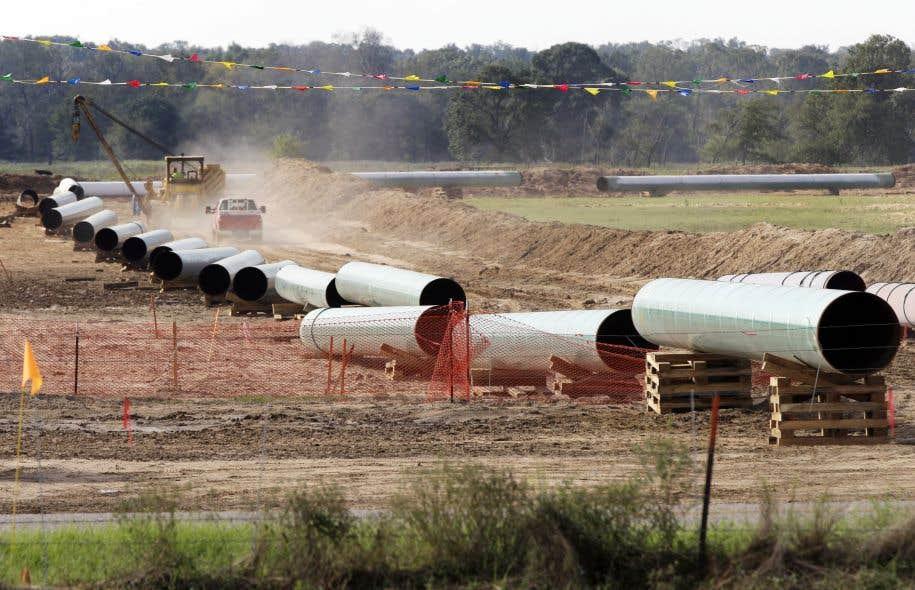 Le projet Énergie Est de TransCanada est actuellement étudié par l'Office national de l'énergie. La pétrolière est aussi derrière le projet Keystone XL, qui doit transporter du pétrole des sables bitumineux à travers les États-Unis, où les travaux ont commencé malgré une décision en suspens.