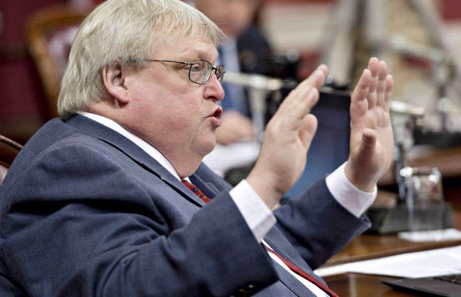 Gaétan Barrette compte répondre à l'appel de la Corporation des thanatologues du Québec.