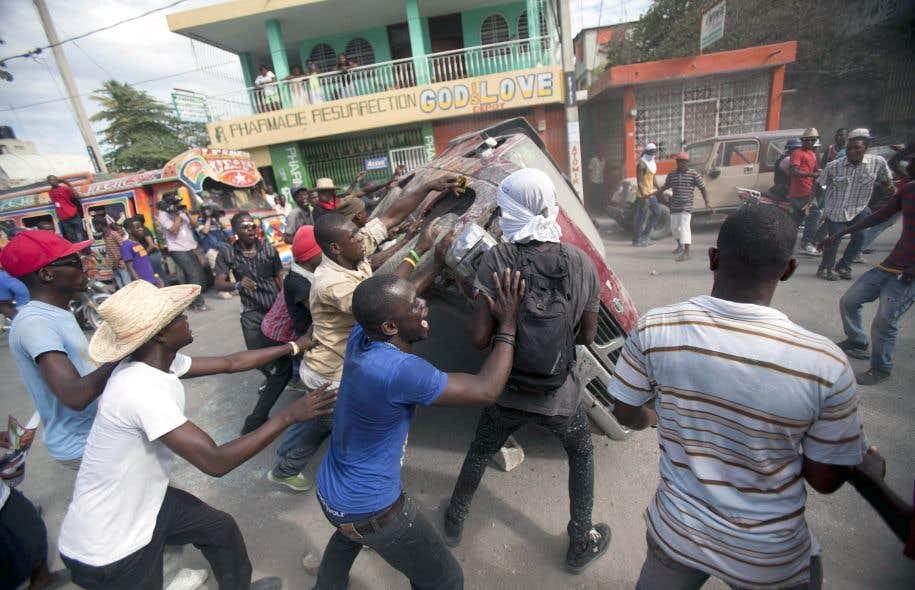 De violentes manifestations clatent le devoir - Manifestation a port au prince aujourd hui ...