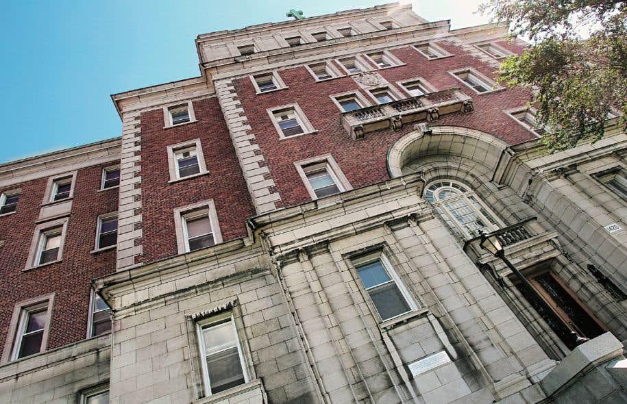 L'Université de Montréal cherche toujours à se départir de l'immeuble dont elle est propriétaire depuis 2003.