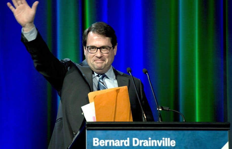 Bernard Drainville a recommandé aux militants de ne pas céder «à la tentation de s'accrocher à un sauveur» qui pourrait n'être qu'«un mirage».