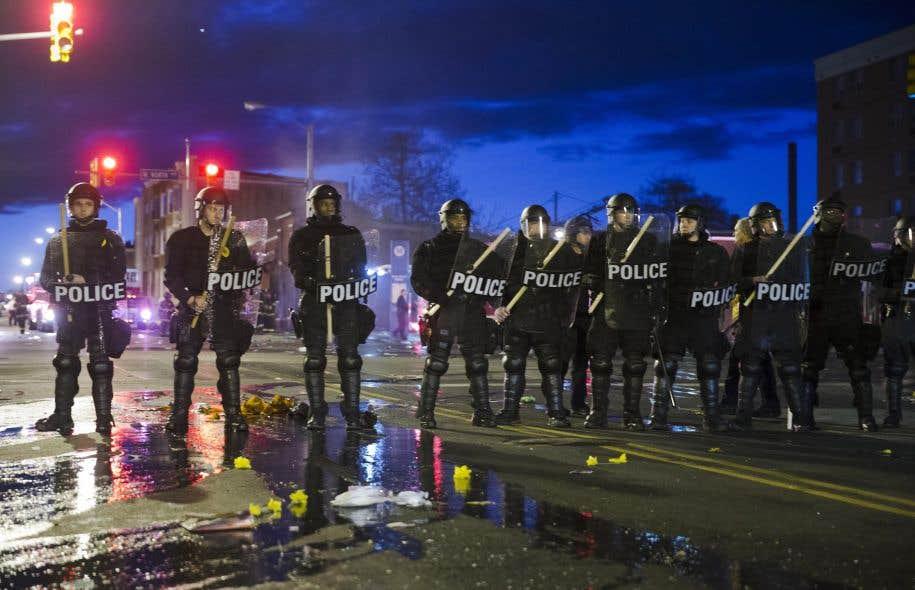 Le gouverneur du Maryland a déclaré l'état d'urgence lundi soir à Baltimore pour lui permettre éventuellement d'y déployer la garde nationale.