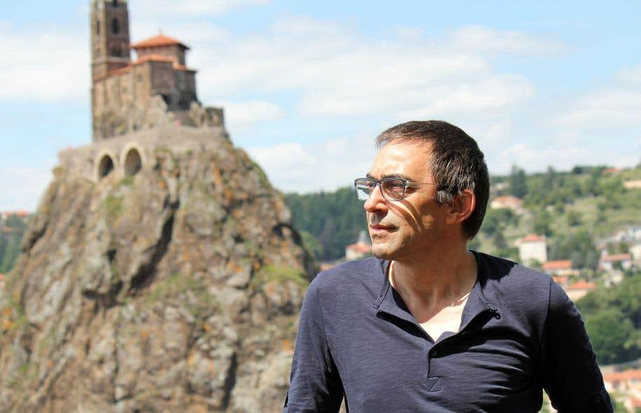 J�r�me Favrod est professeur et infirmier clinique en psychiatrie communautaire en Suisse.