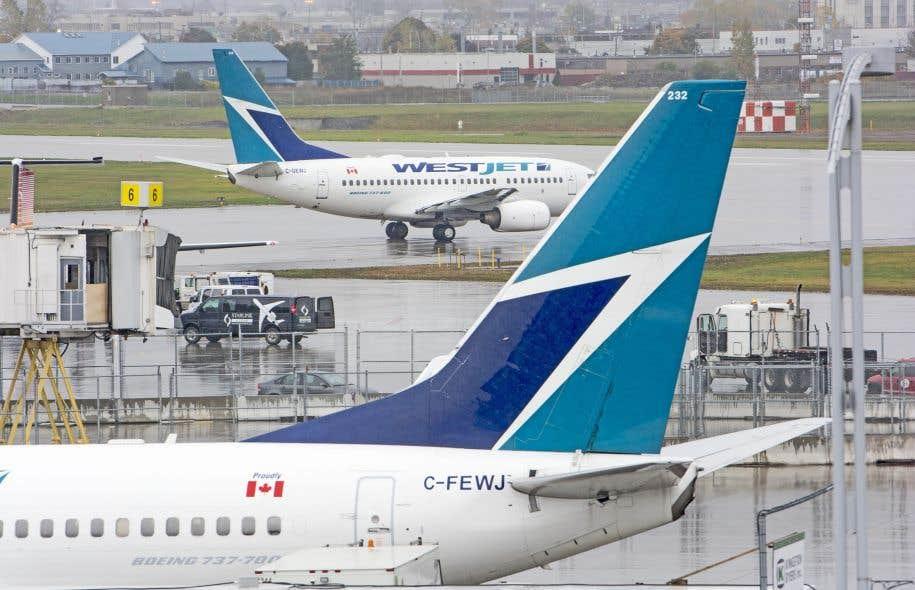 Un avion de westjet effectue une sortie de piste for Interieur avion westjet