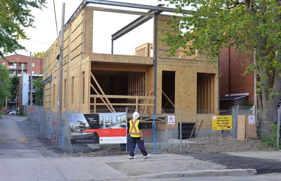 Baisse de la valeur des permis de construction le devoir for Permis de construction