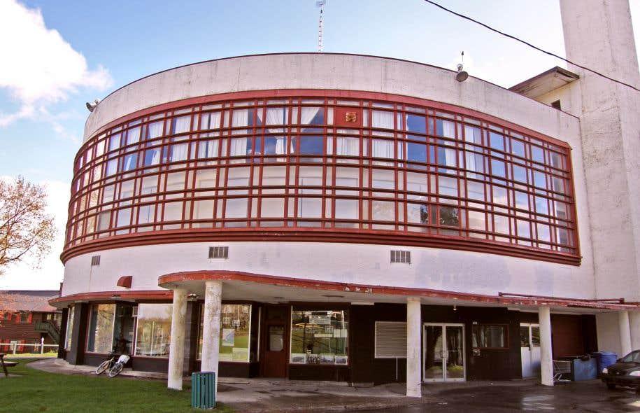 Le centre commercial du Domaine-de-l'Estérel