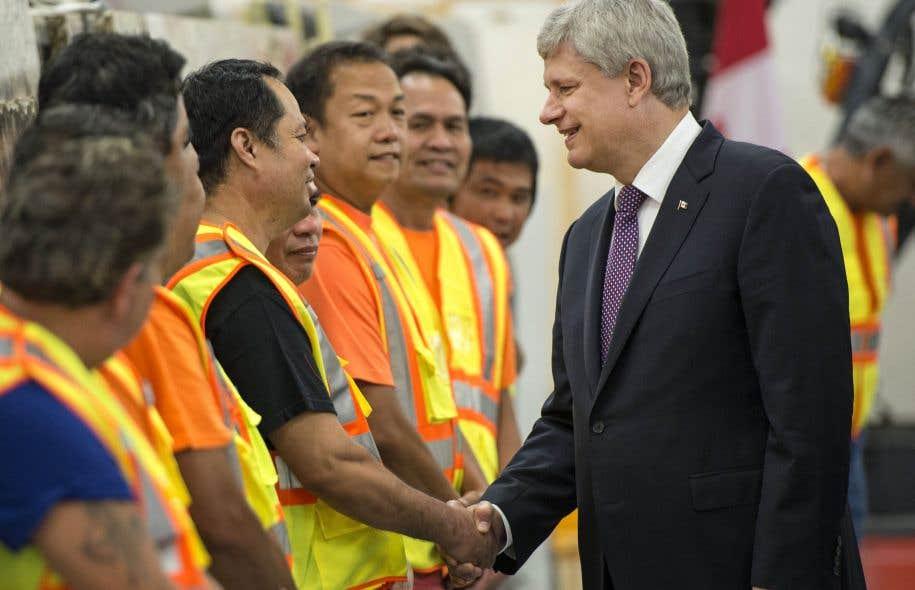Alors qu'il était de passage dans la circonscription ontarienne de son ministre des Finances, Stephen Harper a promis d'instaurer, s'il est réélu, un crédit d'impôt pour la rénovation domiciliaire.
