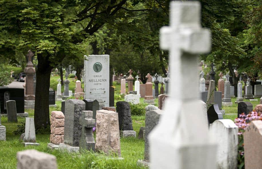 Le respect dû aux morts se perd au Québec et dans le monde... - Page 2 Image