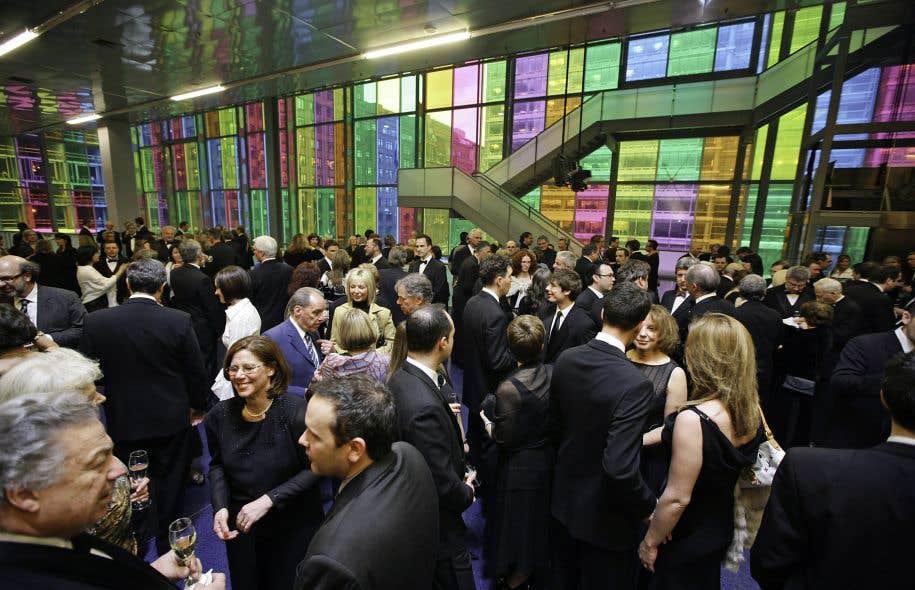 Une institution d envergure mondiale le devoir - Salon de l emploi palais des congres ...