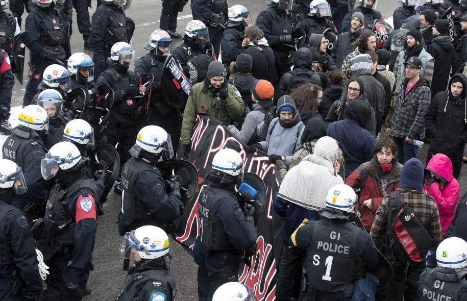 La marche du 15mars 2015 contre la <em>brutalité policière</em> a mené à plusieurs arrestations.