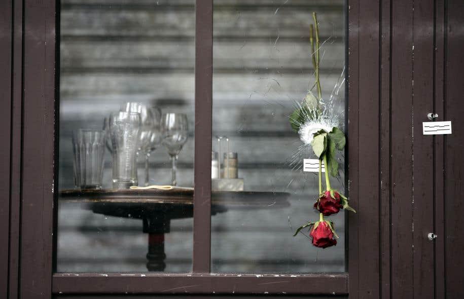 Survivre au choc des attentats de paris le devoir for Survitrer une fenetre