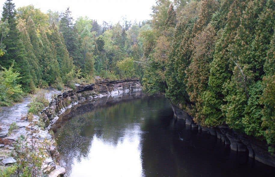 Le pipeline Énergie Est devrait traverser 860 cours d'eau.
