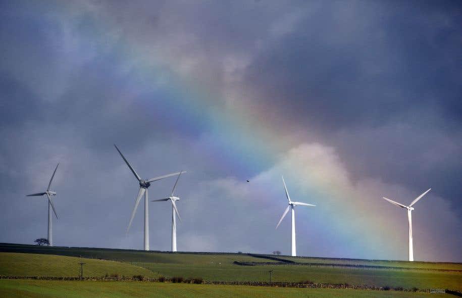 La naissance de la filière éolienne au Québec a eu lieu dans une perspective de développement économique régional, notamment par des exigences de contenu local dans les équipements.