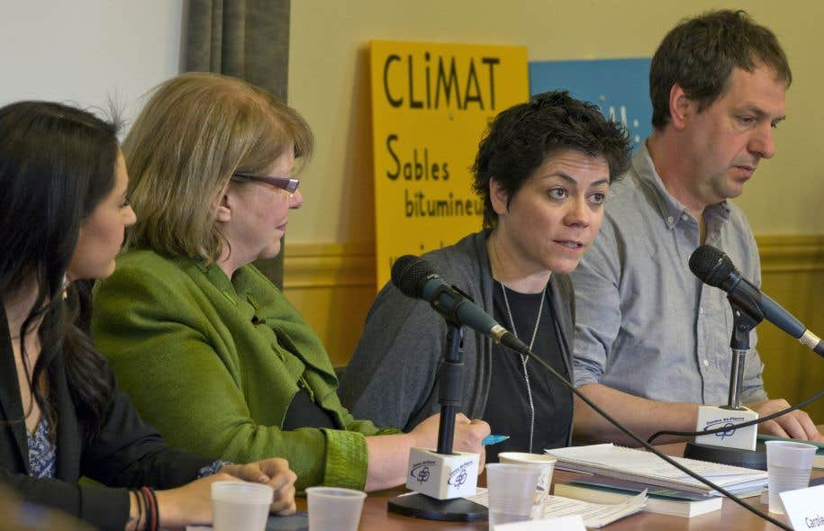 Plusieurs membres de groupes écologistes et citoyens ont souligné que le projet Énergie Est représente en fait une <em>«</em><em></em><em>menace aux écosystèmes, à notre santé ainsi qu'au climat de la planète</em><em></em><em>».</em>