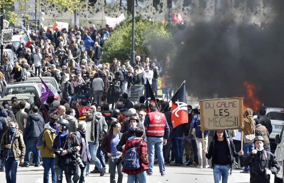 Plus de 170 000 Français ont dit jeudi leur désaccord avec le projet de loi sur le travail.