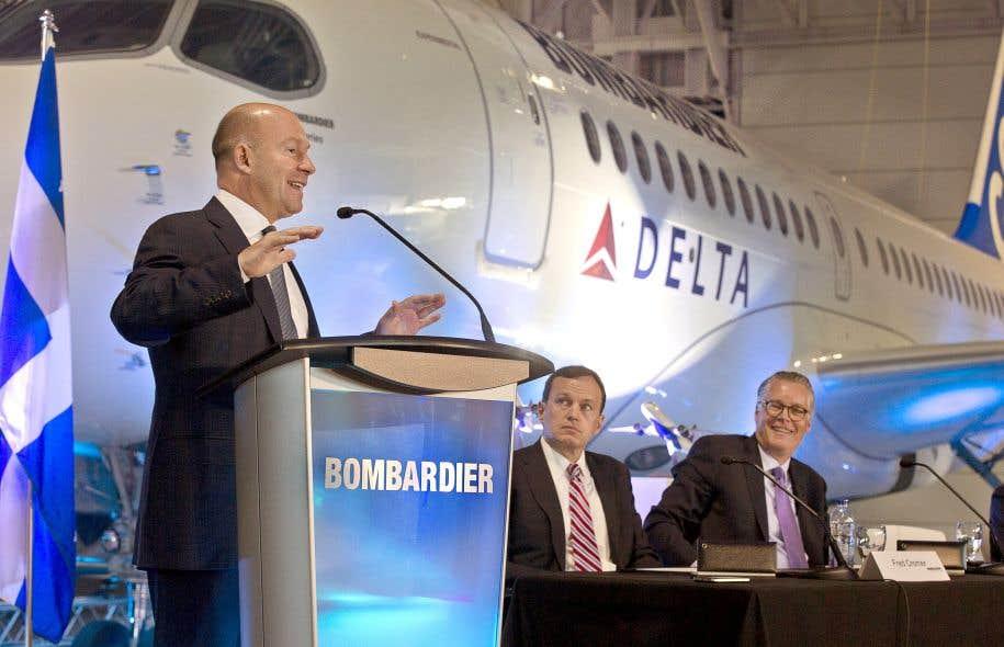 Alain Bellemare, président et chef de la direction de Bombardier, Fred Cromer, président de Bombardier Avions commerciaux, et Ed Bastian, chef de la direction de Delta, qui a confirmé jeudi l'achat de 75 appareils de la CSeries en plus d'options pour 50 avions de plus