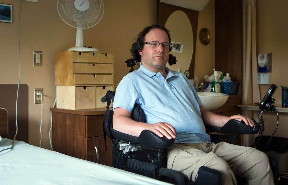 François Marcotte dans sa chambre du Centre d'hébergement du Boisé, à Québec