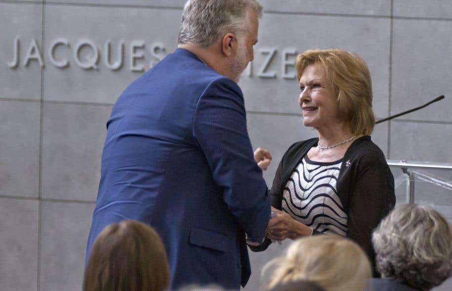 Le premier ministre Philippe Couillard et Lisette Lapointe, veuve de Jacques Parizeau