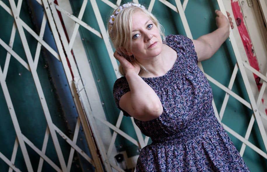 La chorégraphe Manon Oligny se penche de manière récurrente sur la représentation du féminin et du corps-objet.