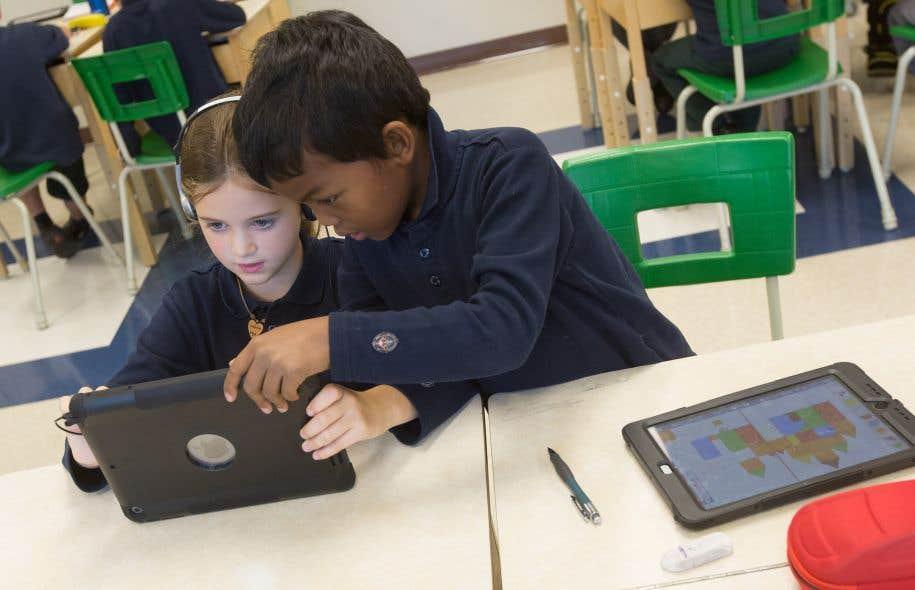 À l'Institut Saint-Joseph, une école primaire privée de Québec, les tablettes numériques sont utilisées en classe de la maternelle à la 6eannée, à divers degrés.