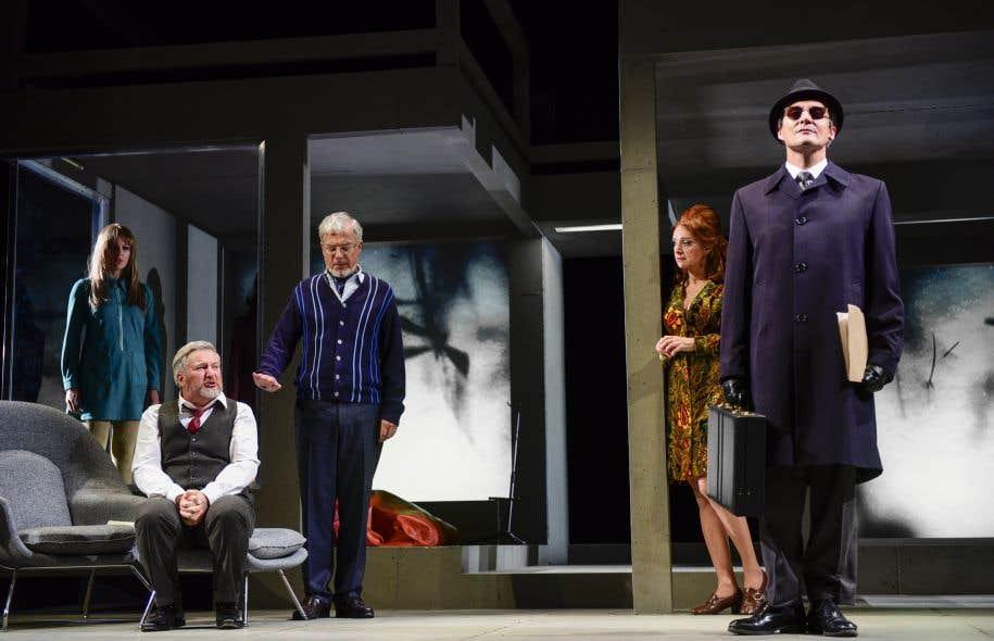 Avec «Tartuffe», Denis Marleau signe donc une comédie somptueuse.
