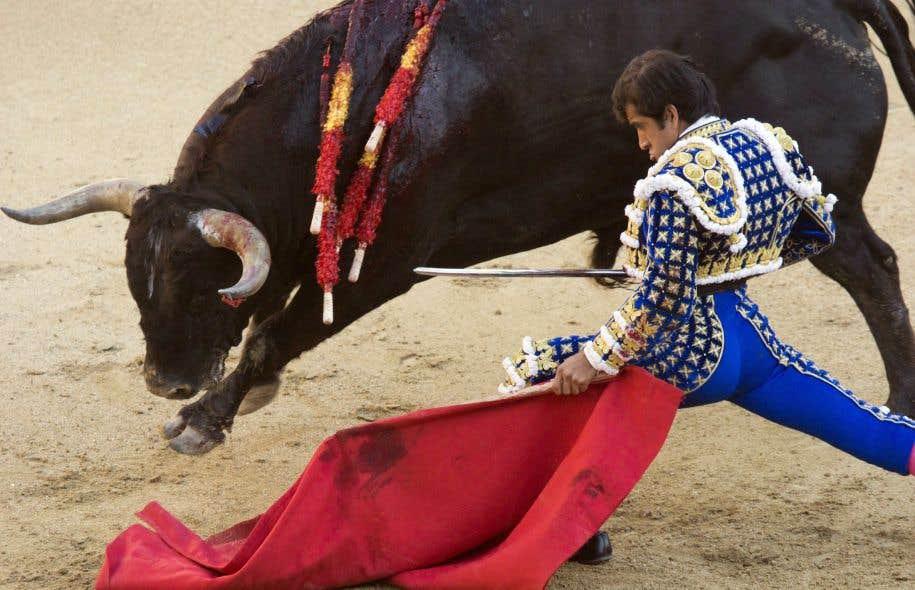La corrida fait partie depuis 2015 du «patrimoine culturel immatériel» de l'Espagne, le pays qui l'a inventée.<br />
