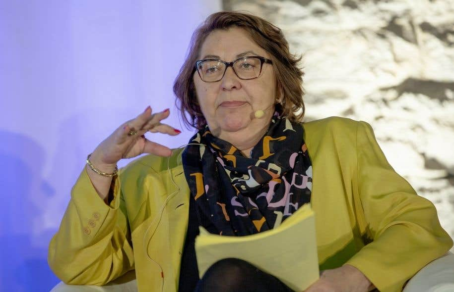 Claire Samson, porte-parole caquiste en matière de protection de la langue française, estime qu'il faut agir rapidement pour préserver le français.
