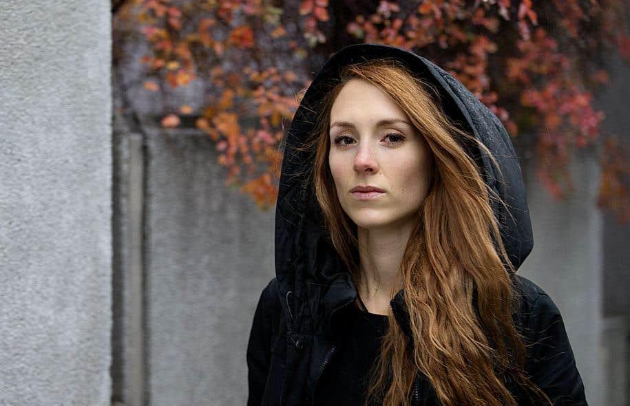 Dans ce roman court, Fanie Demeule pose la confession crue d'une jeune femme écœurée par son enveloppe physique.
