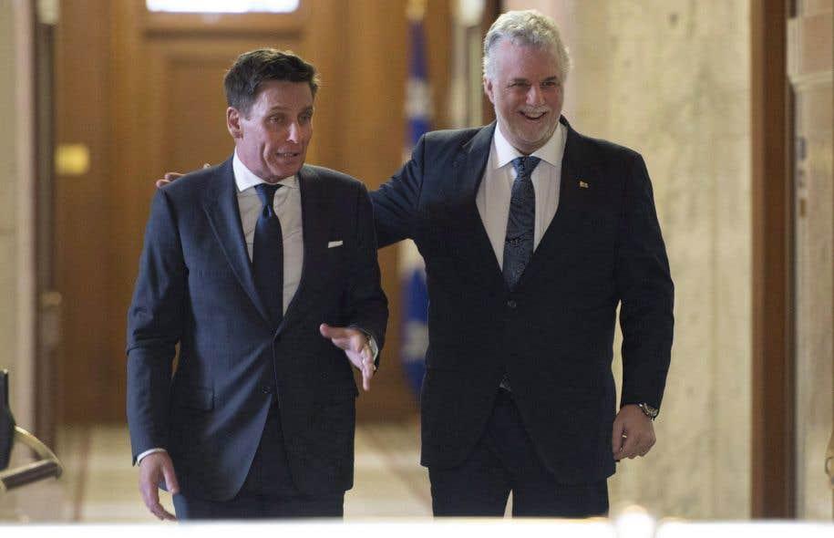 Le député Pierre Moreau et le premier ministre du Québec Philippe Couillard